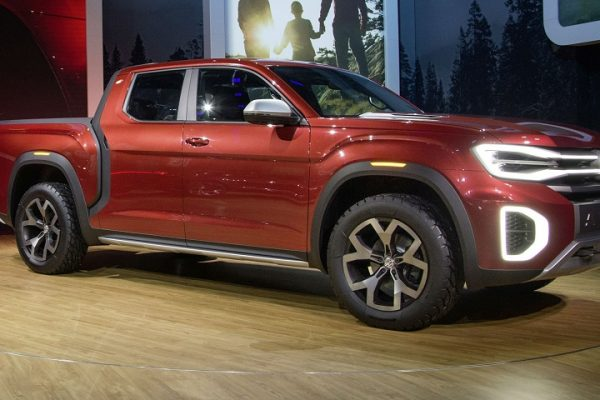 Future Vehicles - Volkswagen Atlas Tanoak Concept with a V6 Engine