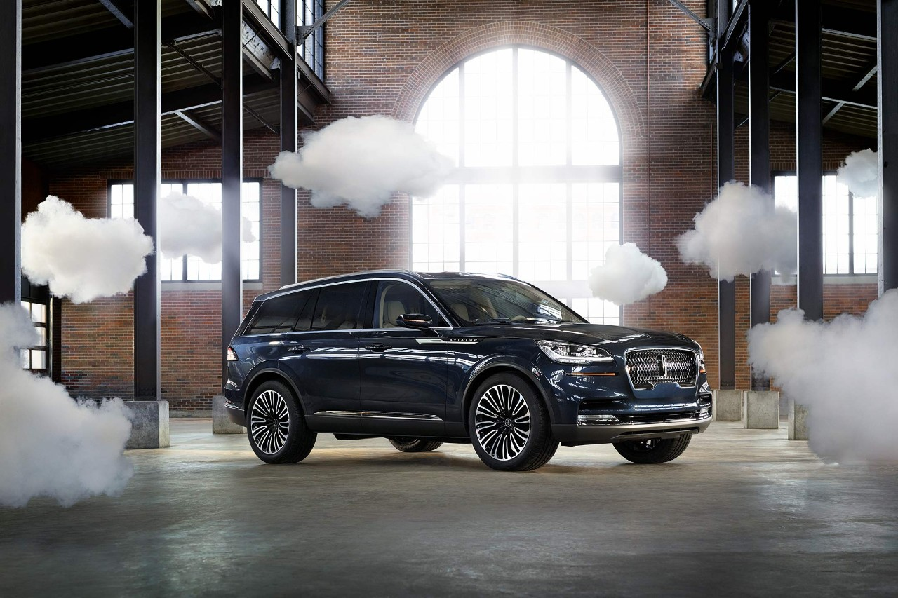 Exterior of Lincoln Aviator Concept PHEV